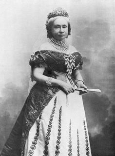Prinses Sophie, Grand Duchess of Saksen-Weimar, got her jewels of her mother Anna Paulowna.. #jewels #crown jewelry #crowns jewels