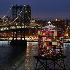 Tom Fruin's water tower art at 20 Jay and Manhattan Bridge