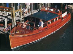 Chris Commuter Craft, the ultimate of 1920s motor boat style and design function. With two helms positions, one for the owner at the bow, and one for the crew to helm at the rear.