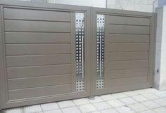 Iron Main Gate Design, House Main Gates Design, Front Gate Design, Door Gate Design, Main Door Design, House Front Design, Front Gates, Entrance Gates, Gate Designs Modern