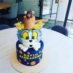 tom and gery Alice In Wonderland Cakes, Disney Cakes, Buttercream Cake, Sweet Life, Food Art, Cake Decorating, Toms, Birthday Cake, Funny