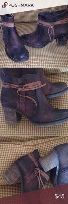 """MIZ MOOZ Distressed Leather Ankle BOOTIE SZ 9.5 About 3"""" heel, distressed leather, some scuff marks in picture- but mostly the look. Side zippers, detailing leather tie. Miz Mooz Shoes Ankle Boots & Booties"""