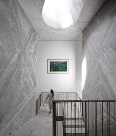 Board-formed concrete laid in a pattern. Fabulous. Casa do Conto / Pedra Líquida Casa do Conto / Pedra Líquida (21) – ArchDaily