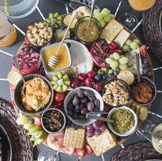 Cheese platter how to Champagne Brunch, Chenin Blanc, Tapenade, Cheese Platters, Chutney, Hummus, Pesto, Tapas, Delish