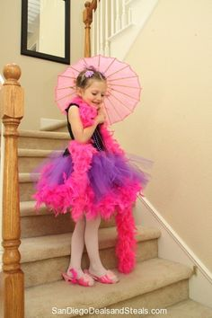 Fancy Nancy dress up and take home as favors. Dress Up Day, Dress Up Outfits, Girl Outfits, Dresses, Story Book Costumes, Book Character Costumes, Book Character Day, Character Dress Up, Princess Pictures