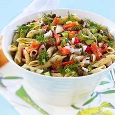 Pasta-lohisalaatti | Salaatit | Yhteishyvä Raw Food Recipes, Salad Recipes, Healthy Recipes, Healthy Food, Pasta Salad, Fish, Ethnic Recipes, Desserts, Drinks