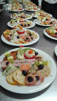 Amazing Food Decoration, Baking Party, Romanian Food, Dinner Dishes, Party Snacks, High Tea, Tapas, Catering, Food And Drink