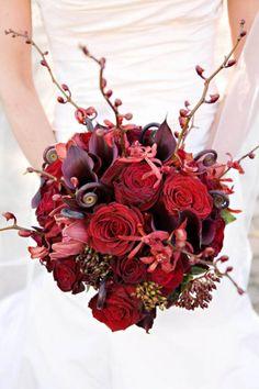 Red Bouquet. Fleurs de France. Photography by www.fleursfrance.com