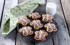 Recette - Biscuits Papillon en vidéo Biscuits Papillon, Snacks, Kids Meals, Food And Drink, Pudding, Nutrition, Sweets, Sugar, Fruit