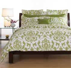 Green Bedspread...like the pattern, color ok if paired with plum?