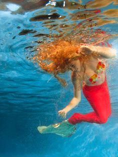 Mermaid Tail. Queue de sirène. Underwater photography. Orseis Mermaid. www.orseisworld.com Vro Beaudoin model. Denis Bussière photo.