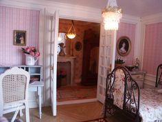 Can you believe this is a dollhouse room?