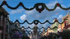 Time-Lapse Video: Magic Kingdom Park Decorated for the Holidays