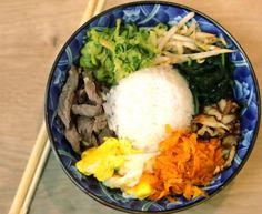 Bibimbap coréen : Recette de Bibimbap coréen - Marmiton Spicy Soup, Asian Recipes, Ethnic Recipes, Buddha Bowl, Smoothie Bowl, Korean Food, Japanese Food, Food And Drink, Snacks