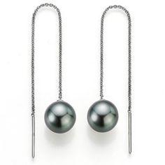 Casual pearls: YANA NESPER pearl earrings with Tahiti pearls