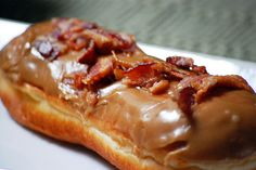 bacon maple bar (one of the things i miss about portland....voodoo donuts...mmmmm)