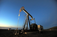 North Dakota becomes nation's second-leading oil producer