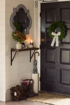 Fall Front Porch, Foyer