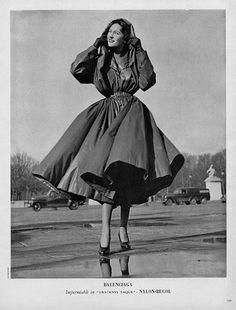 1950 Balenciaga. 1950s fashion images.