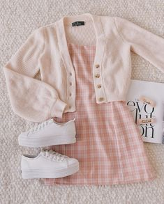 outfit goals for school casual / outfit goals for school Style Outfits, Cute Casual Outfits, Girly Outfits, Mode Outfits, Retro Outfits, Korean Outfits, Vintage Outfits, Teenage Outfits, Teen Fashion Outfits