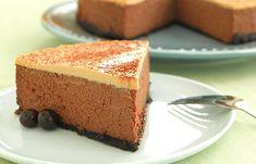Recette: Gâteau au Fromage Moka Décadent - Circulaire en ligne No Bake Desserts, Just Desserts, Dessert Recipes, Dessert Ideas, Mocha Cheesecake, Cheesecake Recipes, Moka, Chocolate Covered Espresso Beans, Cream Cheese Recipes