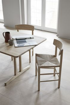 Fredericia's table was designed by Børge Mogensen in The simple and sturdy appearance of table was inspired by traditional Shaker furniture, and the oak table has references to the lightness of Danish modern, too. Shaker Furniture, Danish Furniture, Chair Design Wooden, Furniture Design, Wooden Chairs, Oak Table, Dining Table, Dining Room, Affordable Furniture