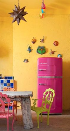 Fall Back in Love with Your Kitchen with Bold Colors and Unique Retro Appliances from Big Chill. Click to discover more. #Retro