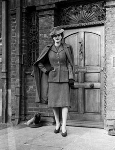 I know matchy-matchy isn't popular, but I just love the elegant coat/capelet/cape with a matching snazzy textured suit or dress, plus a kicky hat made in the same color as the tweed, but done in thick felt. Add the gloves and I could totally get into a comeback of this 1943 style!