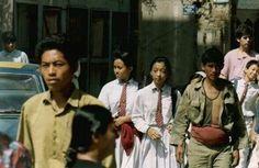 Børn på vej i skole i #Kathmandu #1994 #nepal #rejseminder #backpackerplanet