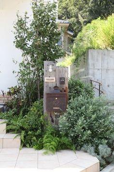 House entrance landscape backyards ideas for 2019 Tropical Landscaping, Modern Landscaping, Backyard Landscaping, Garden Structures, Garden Paths, Small Outdoor Spaces, Natural Garden, House Entrance, House Front