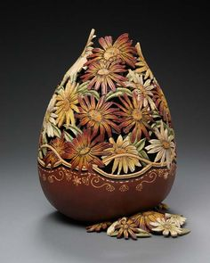 Custom Carved Gourds by Marilyn Sunderland Decorative Gourds, Hand Painted Gourds, Decorative Lamps, Sunderland, Muse Kunst, Muse Art, Art Carved, Gourd Art, Learn To Paint