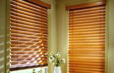 Las persianas de madera, ademas de ser un producto natural, dan una apariencia muy elegante que da calidez y un buen estilo.