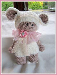 Een lief popje gemaakt in een super zacht Lammetjes outfitje