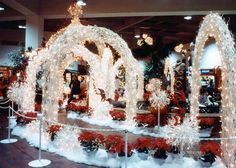Commercial Holiday Displays, Commercial Christmas Decorations, Commercial Holiday Display, Commercial Christmas Displays - Champion Studios Online - Manzanita Products