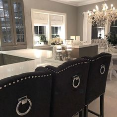 @hannekrir ___________________________________ #kitchen #kitcheninspo #sigdalkjøkken #sigdalherregård #classicliving #livingroom #livingroominspo #livingrooms #passion4interior #hem_inspiration #finehjem #finerom #finehjem #vakrehjem #vakrerom #lovelyinterior #lovelyinteriors #houseandhome #houseandcottage #charminghomes #classicinteriors #boligpluss #bolig123 #interior125 #interior123 #interior9508 #interior4you1 #interior444 #interior4you #interior4inspo