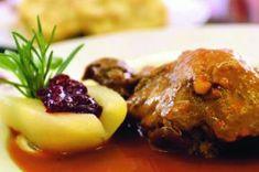 Lovecká sezona. 28 zvěřinových receptů | Apetitonline.cz Food And Drink, Meat, Chicken, Cooking, Foods, Kitchen, Food Food, Food Items, Brewing