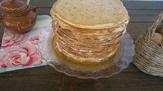 Tarta de crepes con pure de peras y canela, queso de cabra y miel - Sweetmonycake http://sweetmonycake.blogspot.com.es/2014/05/tarta-de-crepes-apta-solo-para-devotos.html