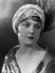 Leatrice Joy in an early and sparkly turban.