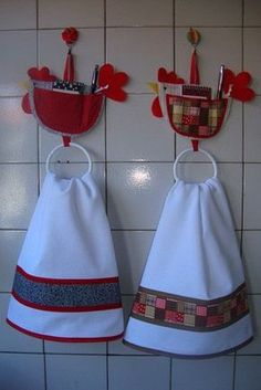 Towels & Towel Hangers (Not in English, but you get the idea. Felt Crafts, Fabric Crafts, Sewing Crafts, Kids Crafts, Diy And Crafts, Sewing Projects, Dish Towels, Tea Towels, Chicken Kitchen
