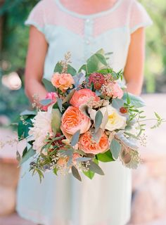 Garden rose bridesmaid bouquet: http://www.stylemepretty.com/2015/08/18/romantic-whimsical-garden-wedding/ | Photography: Caroline Tran - http://www.carolinetran.net/