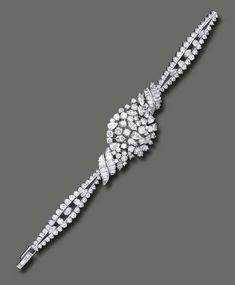 Doris Duke Collection at Christie's 2004: $31,070 diamond wristwatch Dainty Bracelets, Diamond Bracelets, Diamond Jewelry, Bangle Bracelets, Art Deco Jewelry, Metal Jewelry, Antique Jewelry, Vintage Jewelry, Jewelry Gifts