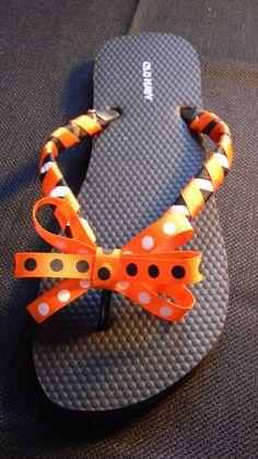 Custom Team or School Color Braided Flip Flops by tbashdesigns Gymnastics Gifts, Cheerleading Gifts, Cheer Gifts, Cheer Coaches, Cheer Mom, Cheer Stuff, Flip Flop Craft, Dance Team Gifts, Flip Flop Wreaths