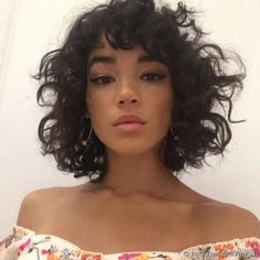 Image uploaded by baby. Find images and videos about hair, model and tashi rodriguez on We Heart It - the app to get lost in what you love. Curly Hair With Bangs, Frizzy Hair, Short Curly Hair, Hairstyles With Bangs, Curly Hair Styles, Natural Hair Styles, Hair Bangs, Paradise Girl, Just Girl Things