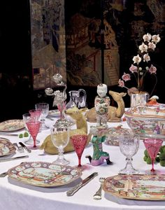 Collection Alberto Pinto at Christie's in Paris this September 2017 Place Settings, Table Settings, Dresser La Table, Coffee Mug Display, Traditional Dining Rooms, Table Setting Inspiration, Top Interior Designers, Table Arrangements, Decoration Table