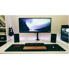 """680 Likes, 3 Comments - Mal - PC Builds and Setups (@pcgaminghub) on Instagram: """"A minimalistic ultrawide setup.  By: u/nuplsstahp.  Check out the link in my bio! Tag a friend who…"""""""