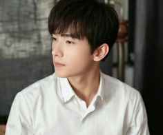 """Find and save images from the """"Dương Dương / Yang Yang"""" collection by Anh Pham (pnganh__) on We Heart It, your everyday app to get lost in what you love. Asian Celebrities, Asian Actors, Korean Actors, Yang Chinese, Chinese Boy, Chinese Candy, Beautiful Boys, Beautiful People, Yang Yang Actor"""