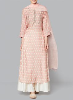 indian fashion Suits -- CLICK Visit link to read Kurti Designs Party Wear, Kurta Designs, Blouse Designs, Lehenga Designs, Dress Designs, Indian Designer Suits, Indian Fashion Designers, Indian Fashion Modern, Indian Wedding Outfits