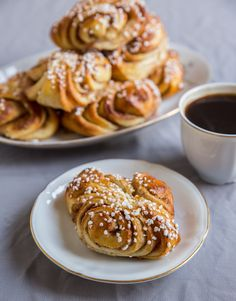 Finnish version of the classic cinnamon bun. Zeina, Scandinavian Food, Swedish Recipes, No Bake Desserts, Cake Cookies, Food Pictures, Food Inspiration, Baking Recipes, A Food
