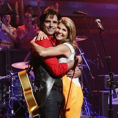 """Jesse And The Rippers Reunited on Jimmy Fallon - John Stamos puts on his best """"Uncle Jesse"""" wig and performed a medley of songs — including the Full House theme song. HAVE MERCY!"""