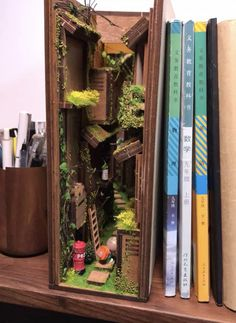 Theme Harry Potter, Model Building Kits, Miniature Crafts, Mini Things, Book Nooks, Reading Nooks, Diy Wood Projects, Diy Kits, Bookshelves